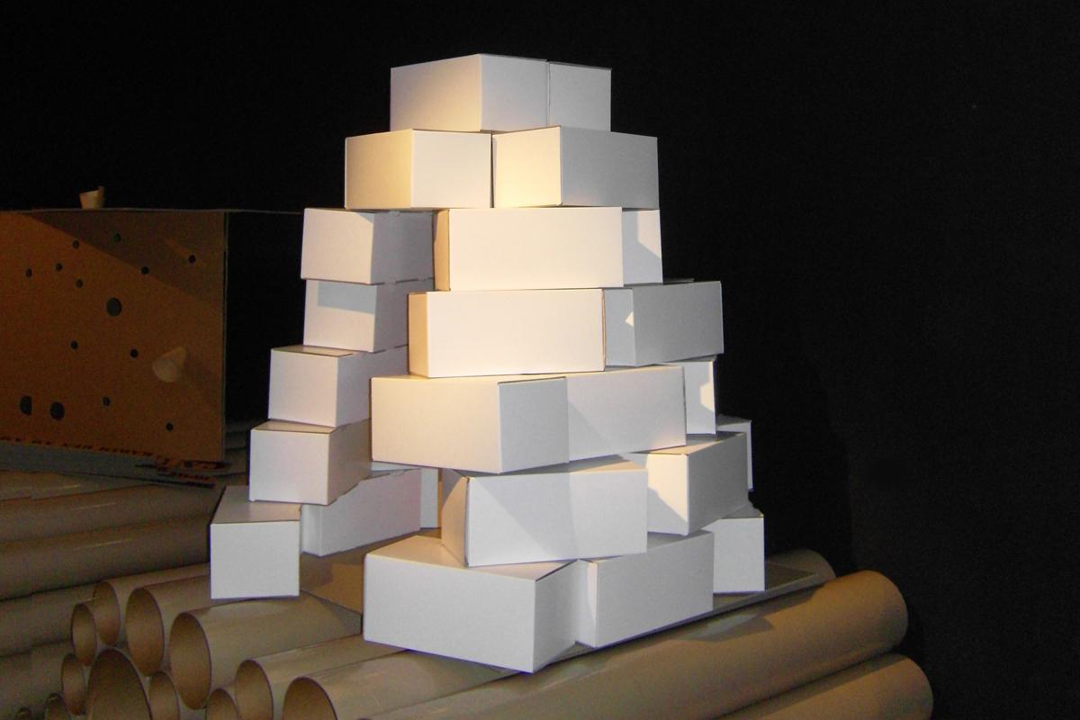 dominique perrault architecture cabane en carton. Black Bedroom Furniture Sets. Home Design Ideas